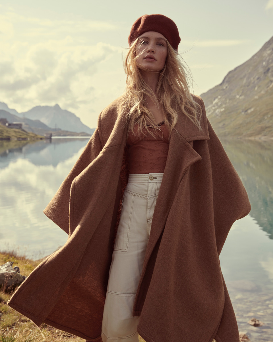Free People 4 by Andreas ORTNER