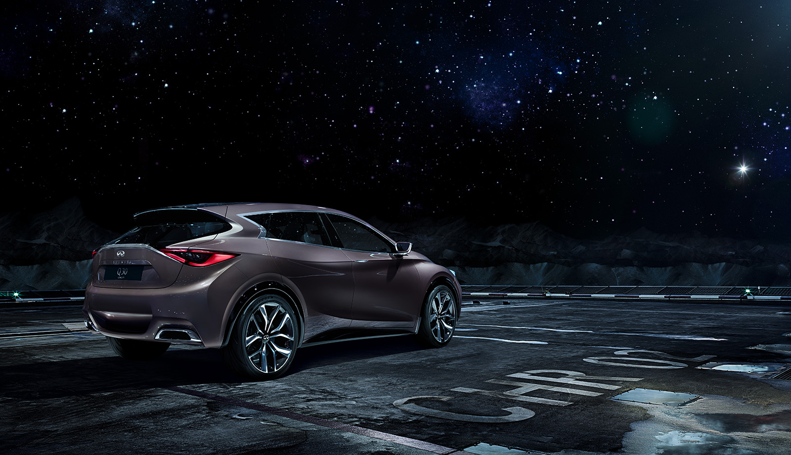 Infiniti Q30 - In outer space